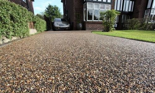 When installing resin driveways in Bristol, our highly experienced team offer a selection of aggregates from which to choose