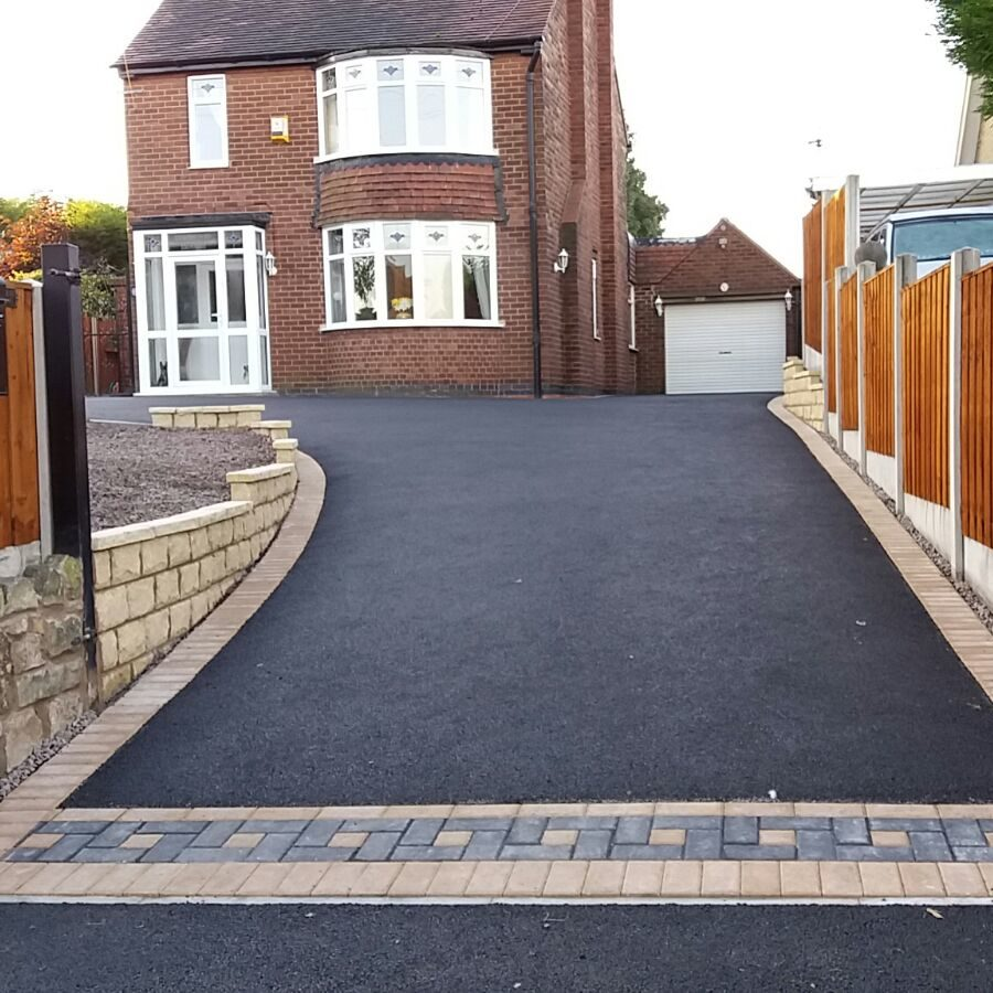 Image shows work completed by Copek Resin Bound and Aggregates and Surfacing on a tarmac driveway in Bristol